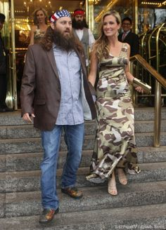 Willie & Korie - Somehow, she even makes a camo duck patterned dress look good!  I think Willie's wearing the infamous leather jacket (that Korie had to take back and resize for their reunion!)