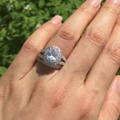 Video time! 💕💍 The 3 ctw oval split shank halo set from TigerGems.com. 💍💕 For reference, I wear a size 5 on my ring finger.  Follow @tigergemstones Follow @tigergemstones Follow @tigergemstones