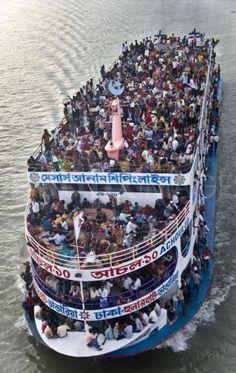 Resultados de la Búsqueda de imágenes de Google de http://img.ezinemark.com/imagemanager2/files/30004254/2010/11/2010-11-19-13-40-41-6-a-ship-overloaded-with-passengers.jpeg
