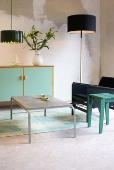 Tabloid Tables | Floris Hovers together with Vij5 | NewspaperWood | photo credits Floris Hovers
