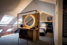 Habitación de estilo urbano nórdico con tocador OVOLO HOTELS WOOLLOOMOOLOO @Utrillanais