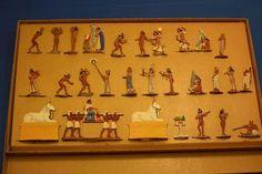 Tennfigurer 30 mm flata. Egyptier. Ramses II hov 1200 f Kr. 28 figurer