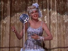 if my school ever performed singing in the rain i would so try out for miss Lena Lamont(: