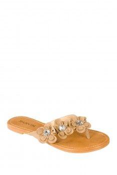 Cute floral sandal.