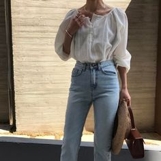 Vintage denim and loose white tops | The UNDONE Style