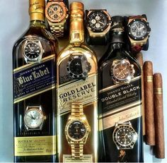 This looks like a night full of fun! Love this shot by featuring 3 AP's and 6 Rolex watches ⌚️⌚️ Cigars And Whiskey, Good Cigars, Pipes And Cigars, Scotch Whiskey, Bourbon Whiskey, Whiskey Bottle, Zigarren Lounges, Gold Labels, Wines