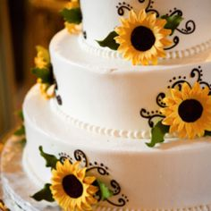 Sunflower Cake! - like the green swirls and dot design on this one.