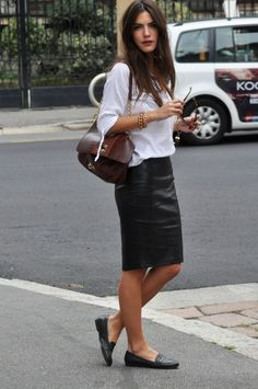 Loafers... the answer when we look for a comfy but trendy & classy style... a white cotton shirt, golden bangles, natural long hair, leather bag, leather pencil skirt (can be any black pencil sk) and a fabulous, stylish and fememine loafers!!! Perfect!!! better if choose pointed golden loeafers, a sofisticate touch ;)