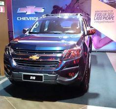 #Chevrolet mostra nova cara da #S10 nesta noite de quarta-feira (4) em Ribeirão Preto SP.  Preços só nesta quinta 5.  O que achou da nova cara da #picape?  #UOL #uolcarros #pickup #gm #lançamento #ford #ranger #toyota #hilux #volkswagen #vw #amarok #mitsubishi #l200 #nissan #frontier