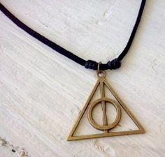 c0750ac3243d Encuentra Collar Reliquias De La Muerte Dijes Harry Potter Moda - Relojes