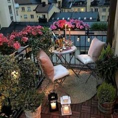 172 Cool Balcony Decoration Ideas for Your Apartment or Home Apartment Entrance, Cute Apartment, Apartment Balcony Decorating, Apartment Balconies, Cool Apartments, Raised Patio, Small Backyard Patio, Outdoor Balcony, Diy Patio