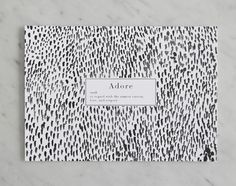 Gebruik de kaarten van Crisp Sheets om te versturen of om thuis je eigen sfeer te creëren. Dit ontwerp is gemaakt in aquarelle kleurtonen en gecombineerd met een woordenboek toelichting: Adore – verb – to regard with the utmost esteem, love, and respect.  Details: deze kaart is gemaakt met aquarelle, gedrukt op hoge kwaliteit …