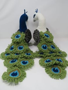 Regal the Peacock - Free Amigurumi Crochet Pattern! Peacock Crochet, Peacock Pattern, Crochet Birds, Crochet Flowers, Free Crochet, Crochet Feathers Free Pattern, Crochet Animals, Crochet Butterfly Free Pattern, Crochet Stars