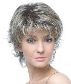 coupe femme cheveux courts 50 ans   Coiffure en 2019   Pinterest   Cheveux, Cheveux courts et ...