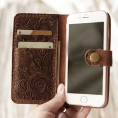 Genuine Leather iPhone SE / 5 / case iPhone 7 / 7 Plus wallet case iPhone 6 / / 6 plus / Plus wallet case - Italian distressed oiled leather (Brown Pattern) Diy Wallet, Iphone Wallet Case, Iphone Phone Cases, Iphone 7, Lg Phone, Wristlet Wallet, Leather Tooling, Leather Wallet, Tooled Leather