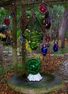 Glass Garden Art by decompost photo 2_GardenGlassArtbydecompost.jpg