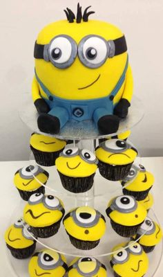 Despicable Me 2 Birthday Cake Minions Birthday Theme, My Birthday Cake, Minion Party, Birthday Box, Birthday Stuff, Birthday Ideas, Birthday Parties, Banana Funny, Pie Cake