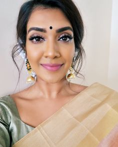 Beauty Bar, Beauty Makeup, Vithya Hair And Makeup, Makeup Step By Step, Indian Outfits, Indian Clothes, Bride Look, Queen, Indian Designer Wear