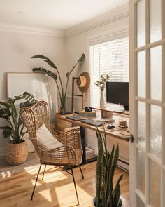 Study Room Decor, Room Ideas Bedroom, Home Decor Bedroom, Design Bedroom, Small Bedroom Hacks, Bedroom Inspo, Kids Bedroom, Master Bedroom, Home Office Design