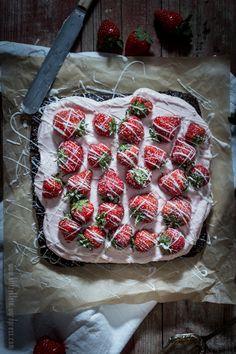 YEAH! Die ERSTE { Duttfrolleins Pop Up Bakery } in Köln und ein ziemlich feiner Strawberry - Mascarpone - Brownie.