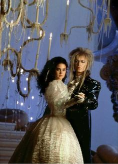 1986 - Jennifer Connelly as Sarah and David Bowie as Jareth in Labyrinth. David Bowie Labyrinth, Labyrinth 1986, Labyrinth Movie, Jareth Labyrinth, Labyrinth Quotes, Labyrinth Tattoo, Goblin King, Robert Mapplethorpe, Bert Stern