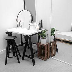kuhle dekoration schreibtisch ikea mikael, 52 besten interiors | closet & vanity bilder auf pinterest in 2018, Innenarchitektur