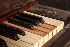 Piano Repair Blog Archive from the NOLA Piano Tuner.