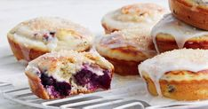 These blueberry pancake pies will be your new fav sweet treat! Banana Bread Muffins, Savory Muffins, Blueberry Pancakes, Mini Pie Recipes, Yummy Recipes, Yummy Food, Cheesecake Swirl Brownies, Just Pies, Healthy Sweet Treats