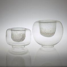 Billedresultat for timo sarpaneva Tsaikka Glass Ceramic, Ceramic Plates, Art Of Glass, Clear Glass, Glass Bowls, Scandinavian Art, Vintage Vases, Mason Jar Wine Glass, Glass Design
