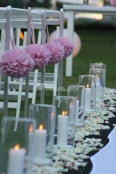Decora tu boda con pompones de papel