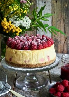 Klassisk ostekake med bær Tiramisu, Brownies, Cheesecake, Food And Drink, Baking, Ethnic Recipes, Desserts, Cake Brownies, Tailgate Desserts