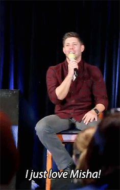 [GIF] that was all kinds of stupid cute xP And yeye Jensen we all do ^-^