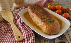 Meatloaf in a juicy juicy soft pan – Meat Foods Meat Recipes, Cooking Recipes, Healthy Recipes, Italian Meatloaf, Romanian Food, Weekday Meals, Tortellini, Hot Dog Buns, Ground Beef