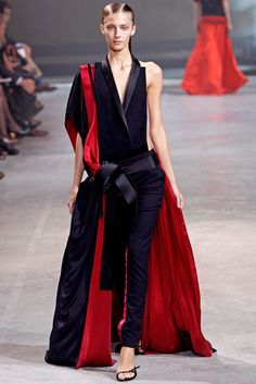 Haider Ackermann - Spring 2011 Ready-to-Wear - Look 33 of 34
