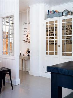 In Annas Head: Inspiration av gamla fönster. Interior Windows, Compact Living, Home Decor Pictures, Painted Floors, Beautiful Space, Built Ins, Interior Architecture, Tall Cabinet Storage, Interior Decorating