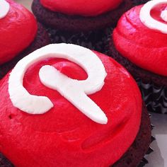 Pinterest Cupcakes - these would be fun for a Pinterest Party