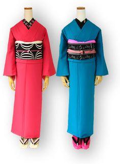着物が日常着となる場所・・・ 豆千代web Modern Kimono, Yukata Kimono, Kimono Pattern, Japanese Outfits, Japanese Kimono, Japan Fashion, Kimono Fashion, Traditional Outfits, Street Style