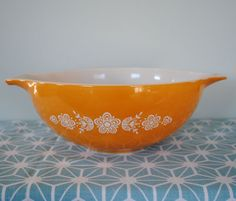 Butterfly Gold Pyrex Cinderella Mixing Bowl