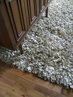 Recycled T-Shirt Rug :: want to make