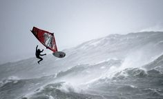 Windsurfing in Ireland - Mission 1 - Red Bull Storm Chase 74 knot wind and waves. Surfing Uk, Balance Art, Sup Surf, Water Photography, Kitesurfing, Big Waves, Extreme Sports, Bald Eagle, Ireland