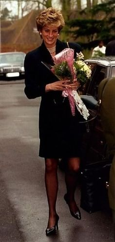 17 January 1995 Princess Diana visits See-ability School for the blind, Leatherhead, Surrey