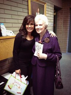 Marie Osmond and her Aunt Cora (her fathers half sister). Donny Osmond, Marie Osmond, Father And Baby, Osmond Family, The Osmonds, Hallmark Channel, Role Models, Singing, Sisters