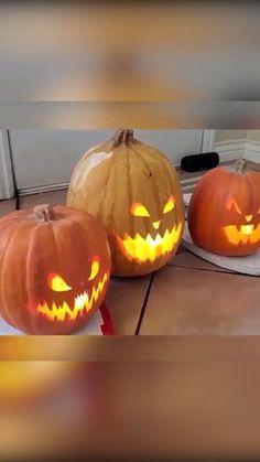 Comida De Halloween Ideas, Soirée Halloween, Adornos Halloween, Manualidades Halloween, Halloween Movies, Outdoor Halloween, Holidays Halloween, Halloween Pumpkins, Halloween Makeup