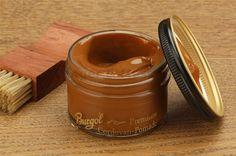 Burgol Cordovan Pomade 50ml in hellbraun, manche Hersteller von Schuhe aus Shell Cordovan bezeichnen diese Farbe auch mit Whisky.
