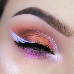 Shared by — soft angel. Find images and videos about makeup, eyeliner and wing… Shared by — soft angel. Find images and videos about makeup, eyeliner and wings on We Heart It – the app to get lost in what you love. Makeup Eye Looks, Eye Makeup Art, Cute Makeup, Pretty Makeup, Skin Makeup, Eyeshadow Makeup, Angel Makeup, Drugstore Makeup, Angel Halloween Makeup
