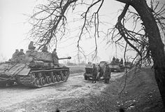 Soviet breakout on a Vistula River bridgehead with JS2 tanks, January 1945.