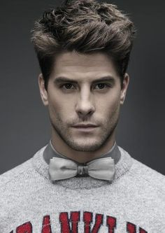 Luis Fernndez also known as Lucho Fernndez or Perla Madrid Spain 31 December 1984 is a Spanish actor known for the character of Culebra in the Spanish Maxi Iglesias, Luis Fernandez, Derek Theler, Types Of Guys, Little Bit, Face Forward, Wattpad, Male Face, Hot Boys