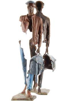 Bruno Catalano es un artista francés cuya obra consiste en una serie de esculturas a las que literalmente, les falta algo. El trabajo del artista se caracteriza por crear estatuas incompletas que sostienen sólo una maleta, razón por la cual el escultor tituló a su colección Los Viajeros (Les Voyageurs). - See more at: http://culturacolectiva.com/las-esculturas-incompletas-de-bruno-catalano/#sthash.ntaGJ0hz.dpuf