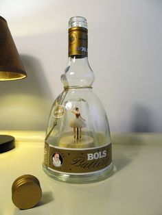 Vintage Collectibles Bols Ballerina Gold Liquor Bottle Dancing Music Box Le Bleu Danube with Original Box and 2 Bols Glasses Christmas Gift Ballerina Gold, Music Box Ballerina, Ballerina Dancing, Vintage Cafe, Vintage Music, Liquor Bottles, Glass Bottles, Vintage Flower Arrangements, Pink Wedding Centerpieces