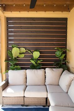 Gorgeous Slatted Outdoor Privacy Screen